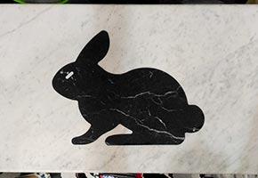 Intarsio coniglio tavolo